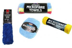 Car Wash Pack with Microfibre Towels, Wash Mitt and Wheel Brush